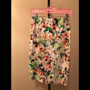 Multi color pencil skirt size L